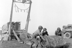 24 march 1945 Bridge building across the Rhine, 17th Armored Engineer Battalion (14)
