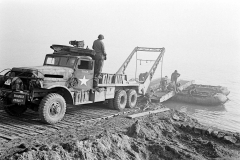 24 march 1945 Bridge building across the Rhine, 17th Armored Engineer Battalion (17)