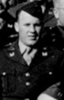 Captain-McMahan-at-Tidworth-Barracks-Engeland-june-may-1944-S.-Benninger