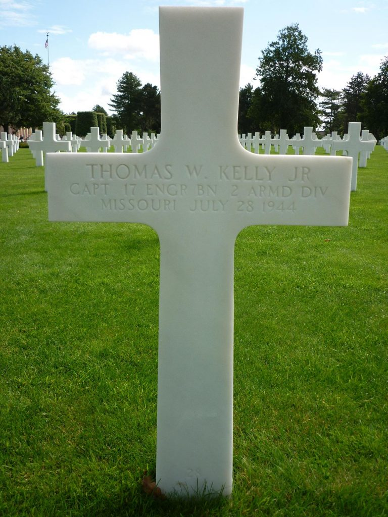 Gravestone Normandy CollvilleThomas W Kelly Jr front